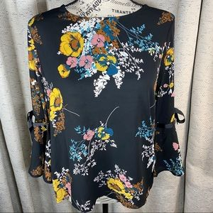 NWOT Lily White Floral Print Top Bow & Bell Sleeve